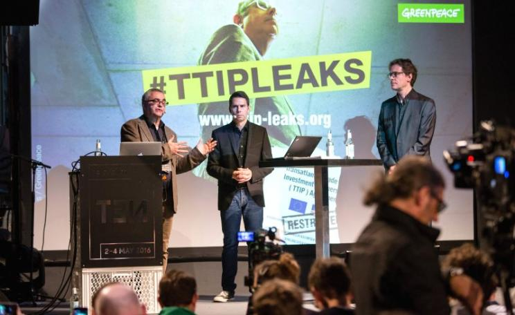 Podiumsdiskussion #TTIPLEAKS by Greenpeace with Jürgen Knirsch, Stefan Krug and Volker Gassner, 2nd May 2016, Berlin. Photo: re:publica / Jan Zappner via Flickr (CC BY).