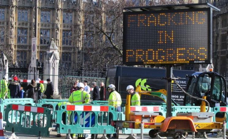 Greenpeace's 100% subsidiary Frack'n'go! sets up its rig in Parliament Square beneath the windows of the House of Commons, 9th February 2016. Photo: DAVID HOLT via Flickr (CC BY).