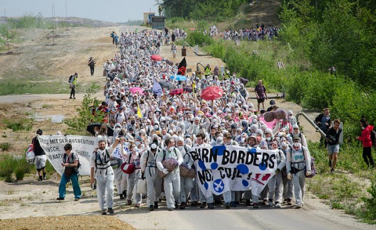 The first day of the Ende Gelände protests last year witnessed thousands of protesters occupy the coal mine.