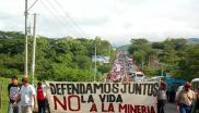 Demonstration for the ban on mining in El Salvador. Photo: UpsideDownWorld.