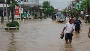 The streets of Nadi in Fiji are deluged during flooding in February 2007. This sight will only become more common as climate change gets worse.